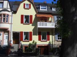 Apartment on the Moselle in Bernkastel-Kues - 3 Stars Castle View