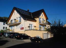 Guesthouse and wine Genetsch
